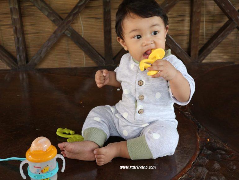 Mainan Gigitan Bayi Teether Mombella