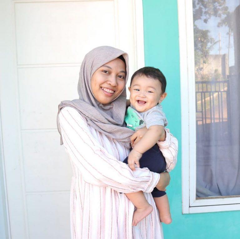 Mama dan Baby Juna